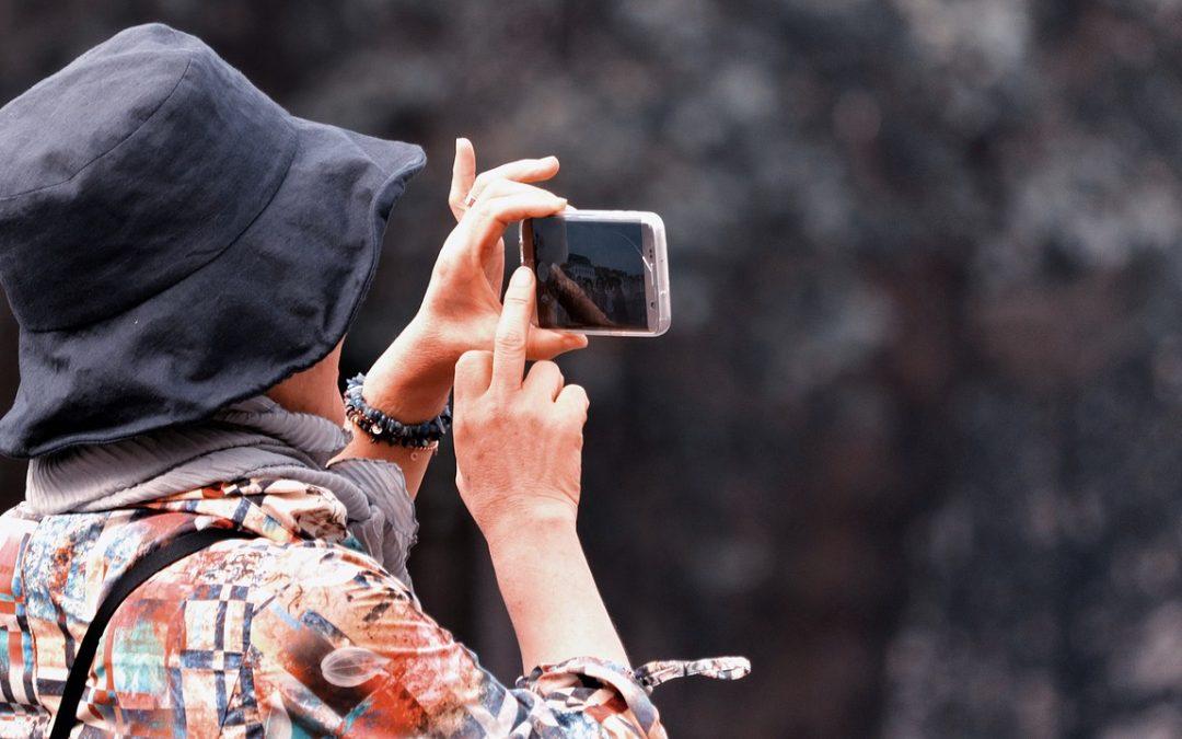 3 motive pentru persoanele cu varste inaintate sa foloseasca un telefon inteligent